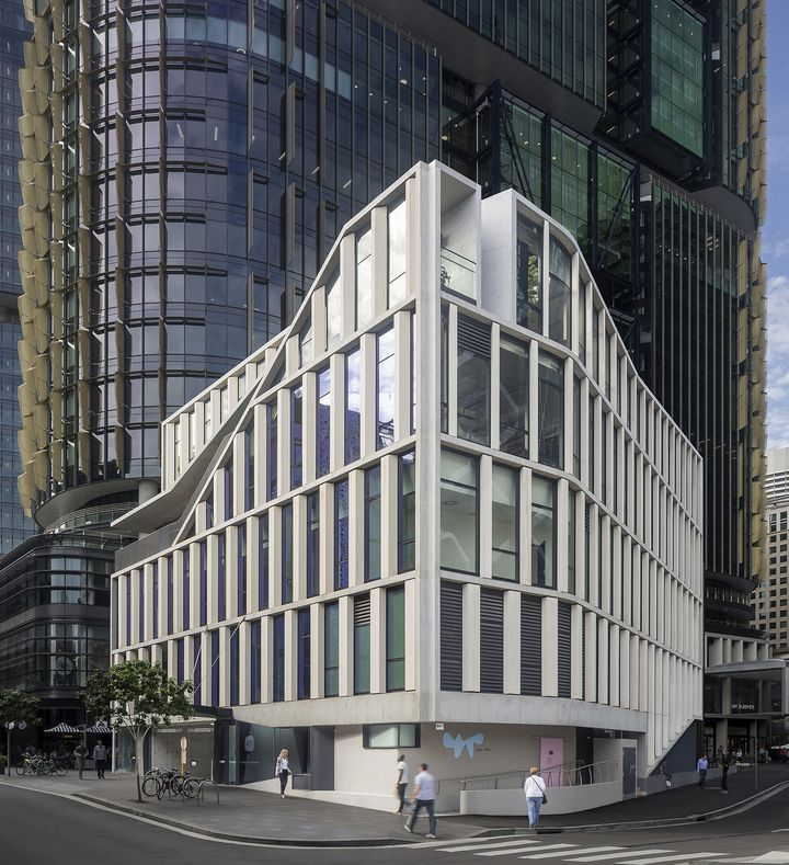 Landmark commercial gateway building and rooftop bar at Barangaroo Sydney designed by Durbach Block Jaggers Architects Sydney for Lend Lease.